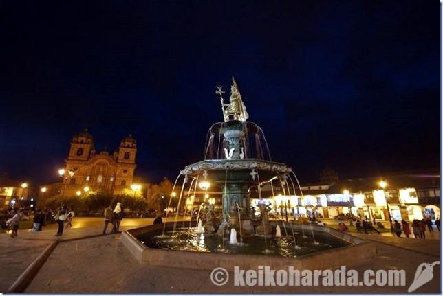 クスコ・アルマス広場の噴水
