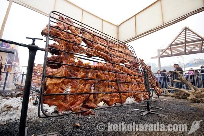 豚の丸焼き