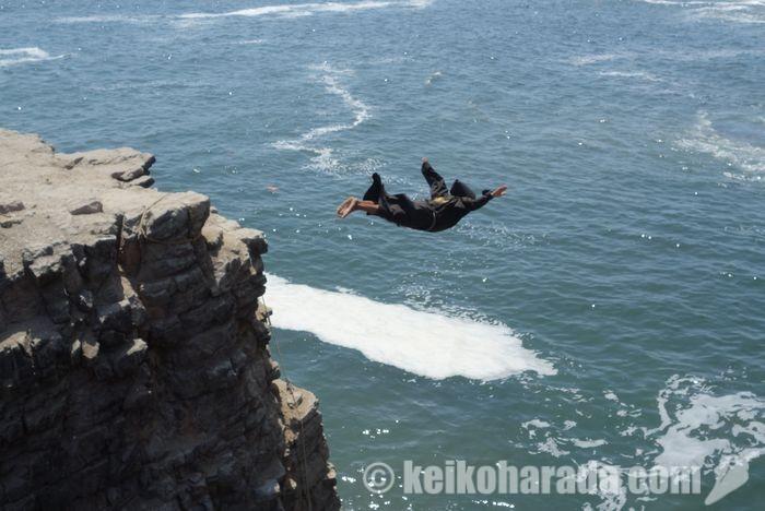 修道士の飛び込み