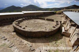 アンデス初の統一国家ワリ帝国の遺跡