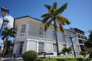 イキトスを代表する歴史的ホテル「ホテル・カサ・モレイ」