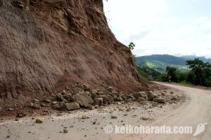国内13地域で土砂崩れの恐れ
