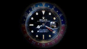 時計はあえて安物を!ROLEX強盗に注意