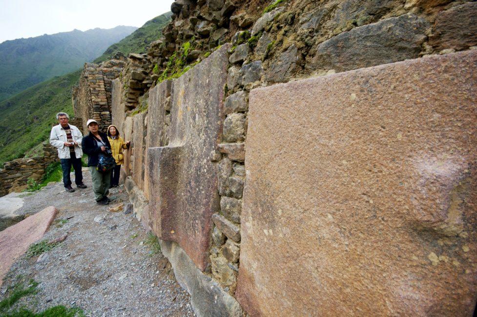 オリャンタイタンボ遺跡の巨石(パワースポット)