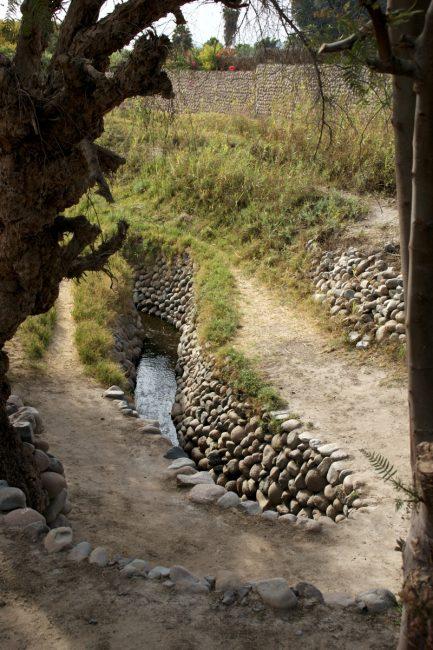 カンターヨの送水路