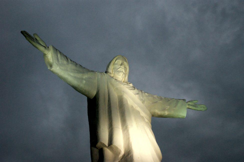 クスコの丘のキリスト像